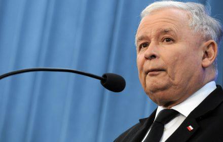 """""""Trybunał zablokuje 500 plus"""". Kaczyński tylko straszy, brak mu argumentów"""