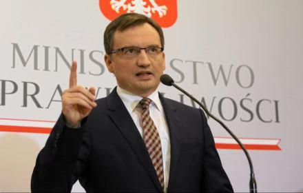 W niektórych niemieckich mediach pojawiły się sugestie, że sprawa zabójstwa Polki wynikała z romansu, że była ona w ciąży ze sprawcą. Chciałbym powiedzieć, że na tym etapie śledztwa nic na to nie wskazuje.