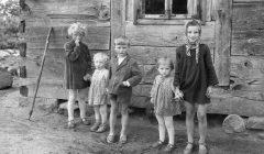 Dzieci_wiejskie_-_Okolice_Uniejowa_-_003438n