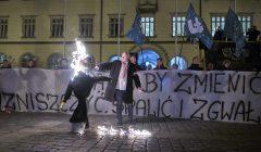 Pikieta ONR i Mlodziezy Wszechpolskiej na Wroclawskim Rynku