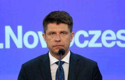 Minister Szałamacha zaplanował deficyt budżetowy na poziomie 59,3 mld zł (2,9 proc PKB) - to nominalnie najwyższy deficyt ze wszystkich rządów po 1989 roku.