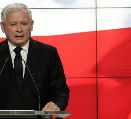 Prezes Kaczyński złamał i dane słowo, i sumienia posłów