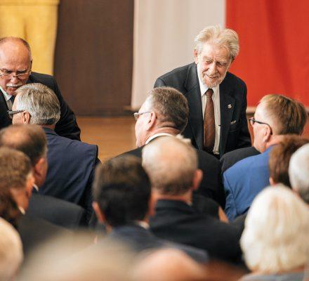 Gwiazda manipuluje historią Solidarności. Jak to było z Wałęsą i zakończeniem strajku