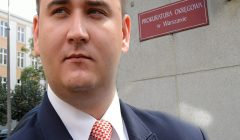 Minister Bartlomiej Sienkiewicz w warszawskiej prokuraturze.
