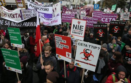 Błąd posła Szłapki. Nikt nie chciał partii Zmiana na demonstracji przeciw CETA