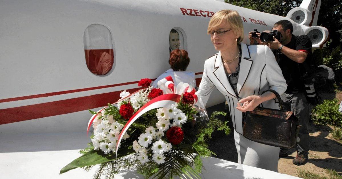 24.06.2012 BEATA GOSIEWSKA PODCZAS UROCZYSTOŚCI ODSŁONIĘCIA POMNIKA UPAMIĘTNIAJĄCEGO OFIARY KATASTROFY TU-154 FOT. PAWEŁ MAŁECKI / AGENCJA GAZETA