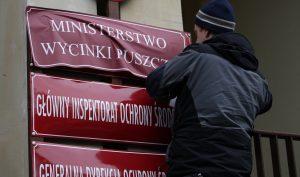 25.03.2016 Greenpeace przeciwko wycince puszczy. Fot . Slawomir Kaminski / Agencja Gazeta