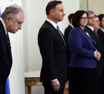 PiS chce złamać sędziów Trybunału. Przekupstwo i groźbę zapisano w ustawach