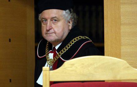 """Rzepliński ma rację. """"Ustawą PiS korumpuje sędziów Trybunału Konstytucyjnego"""""""
