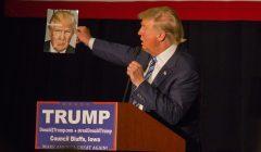 Donald Trump podczas kampanii w Mid-America Center w Council Bluffs, Iowa, 29 grudnia 2015; fot. Matt A. J. (cc) flickr.com