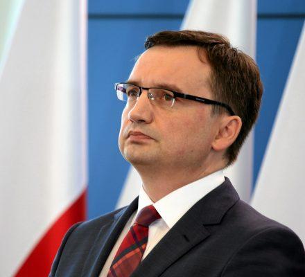 Komisja Europejska wszczyna postępowanie przeciw Polsce za dyscyplinowanie sędziów