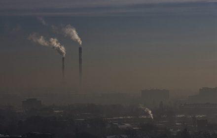 Podgrzewamy Ziemię bez umiaru. Polskie emisje CO2 były najwyższe od ponad 20 lat