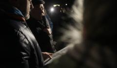 Pikieta uczestnikow protestu przed Sejmem w obronie poszukiwanych przez policje