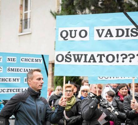 40 proc. szkół na strajku. Szydło obraża nauczycieli: