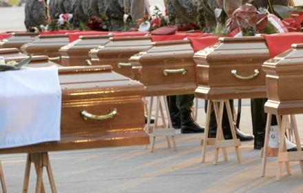 Sąd mówi nie smoleńskim ekshumacjom. Prokuratury to nie obchodzi