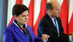Premier Beata Szydło i minister zdrowia Konstanty Radziwiłł na konferencji prasowej po posiedzeniu rządu, która dotyczyła reformy służby zdrowia.