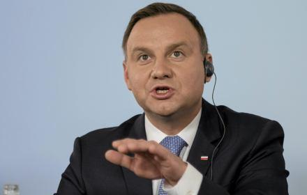 Do rangi symbolu urasta, że w stulecie tamtego wielkiego sukcesu Polska dołącza do grona rozstrzygającego najważniejsze problemy polityki międzynarodowej. Od 1 stycznia RP będzie jednym z 15 członków Rady Bezpieczeństwa ONZ. Wniesiemy tam nasze wartości