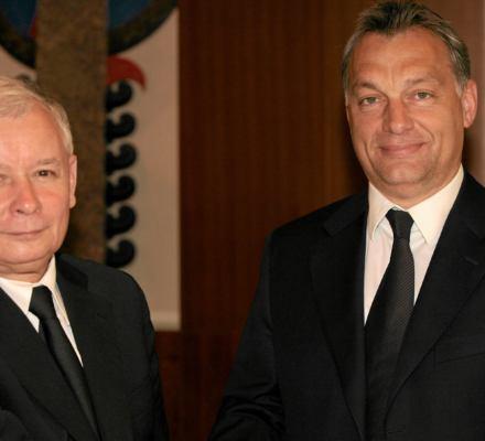 51 proc. Polaków chce integracji UE i wzmocnienia KE, a tylko 35 proc. Europy Kaczyńskiego i Orbana