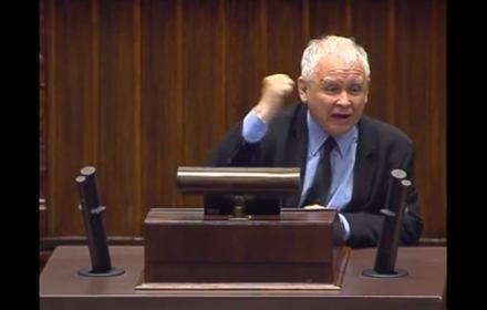 Wycieranie mordy świętej pamięci bratem, niszczenie go i zamordowanie… Kaczyński naruszył kodeks karny i etykę poselską
