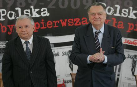 Kuriozalna uchwała Senatu o odwołaniu rządu Jana Olszewskiego. Cała lista nieprawd i insynuacji