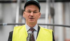 wicepremier-Mateusz-Morawiecki-w-Fabryce-wagonow-B