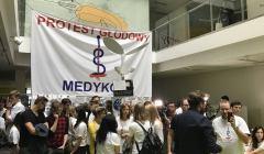 lekarze rezydenci protest