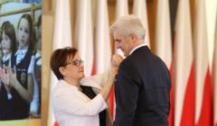 Screenshot-2017-10-21 Dr hab Tomasz Panfil odznaczony Medalem Komisji Edukacji Narodowej - Warszawa, 16 października 2017