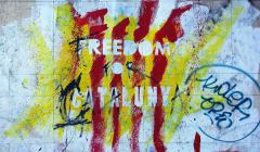 mural_graffiti_street_art_wall_catalonia_spain_freedom_red_yellow-557390.jpg!d