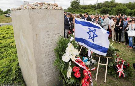 Zabójcy pamięci i testowanie Jedwabnem. Rewizjonizm Holokaustu w IPN