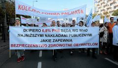 ,Protest-pracownikow-sluzby-zdrowia-w-Warszawie