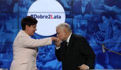 Dwa-lata-rzadow-PiS. Jarosław Kaczyński i Beata Szydło