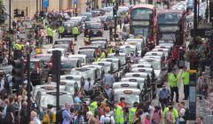 Protest taksówkarze przeciw Uberowi w Londynie, 2014 r.