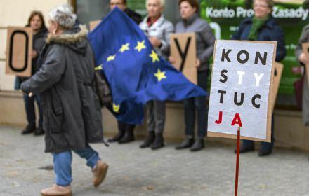 Przekaz dnia PiS. Unia Europejska chce uruchomić art. 7 wobec Polski, bo...