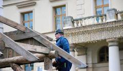 Budowa szopki bozonarodzeniowej w Lublinie