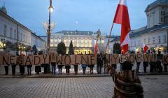 Kartoniada Konstytucyjna przed Palacem Prezydenckim