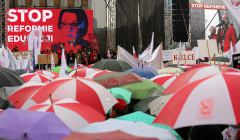 Demonstracja nauczycieli przeciwko zmianom w oswiacie