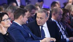 Grzegorz Schetyna i Rafał Trzaskowski na konwencji PO