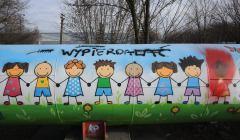 Zniszczony mural na warszawskim Targowku