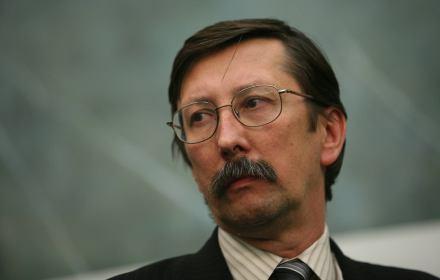 Jak się Żydów przeprasza, to po co ich obrażać - o uchwale senatora Żaryna (PiS) mówi prof. Osęka. Prawda o...