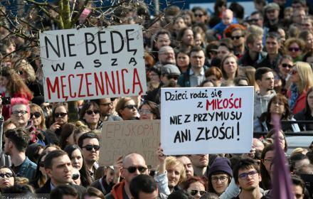 Zdjęcie z protestów przeciwko zaostrzeniu ustawy aborcyjnej