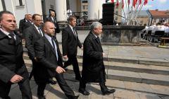 z12336954V,Jaroslaw-Kaczynski--z-ochrona--w-czasie-manifestac