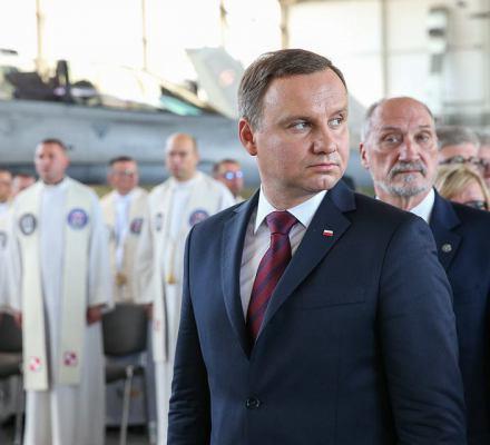 Prezydent Duda jako agent wpływu Putina? Macierewicz i Bączek to sugerują. Nowa jakość podziałów w PiS