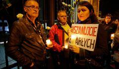 Protest adwokatów przed Cmentarzem Starym w łodzi, ekshumacja Joanny Agackiej-Indeckiej