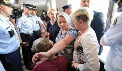 Protest rodziców osób niepełnosprawnych w Sejmie w 2018 roku - jedną z protestujących jest Iwona Hartwich