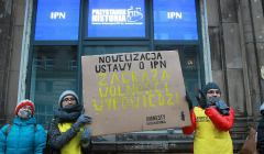 ,Protest-przeciwko-ustawie-o-IPN--22-lutego-2018-