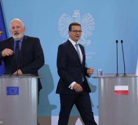 Timmermans przyjechał na próżno? Morawiecki i PiS idą na zwarcie z Komisją i Radą UE