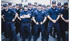 Policjanci pod Sejmem, 20 lipca 2018, fot. Agata Kubis