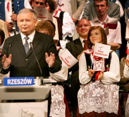 Chcecie się nachapać - Nowoczesna i Kukiz'15 o PiS-owskiej ordynacji wyborczej do PE