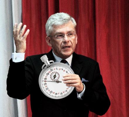 Sprinter Karczewski. Marszałek martwi się, że polski Senat zbyt długo debatuje
