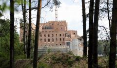 Zamek w Stobnicy (w budowie)